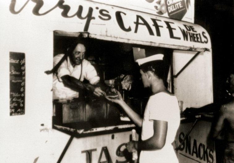 Harry's cafe de wheels pie stall 1952