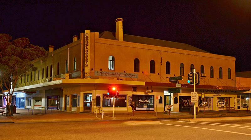 Christmas in Broken Hill isn't the same now the Grand Hotel has lost its Victorian era charm.